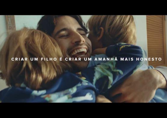 Mercado Livre quebra estereótipos em campanha para Dia dos Pais